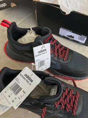 Boyner Ayakkabının Solu 43.5 Numara Sağı 42 Numara?